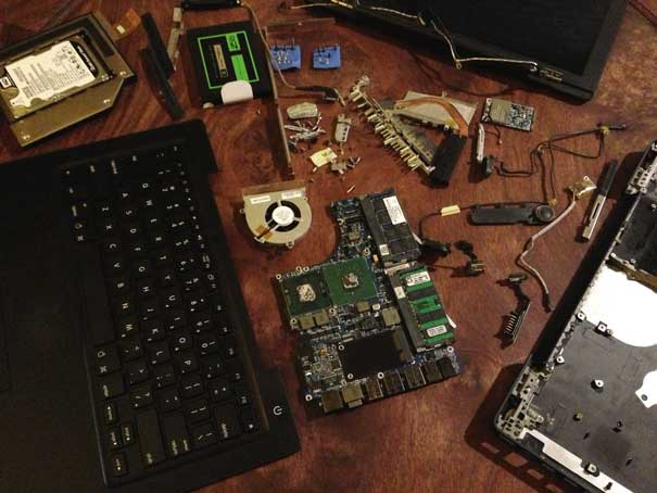 Macbook (late 2006), disassembled
