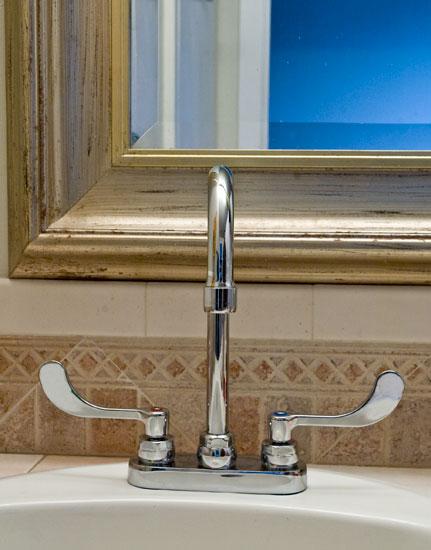 American Standard Monterrey Centerset Gooseneck Lavatory Faucet 7500170.002